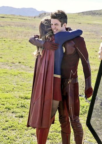 supergirlflashhugging
